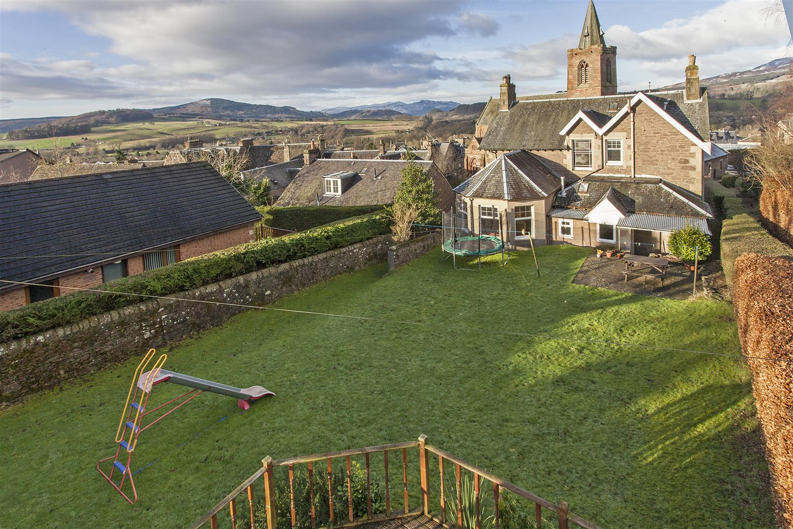 Earncliffe, Coldwells Road, Crieff, Perthshire, PH7 4BB, UK
